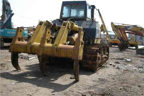 Komatsu Used Bulldozer with Rippers Secondhand Tractors D155A 2 129