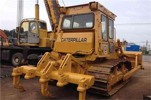 Used Crawler Bulldozer komatsu D85 in Nepal