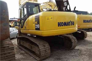 komatsu-secondhand-crawler-excavator-used-japanese-excavator-pc210-7-369