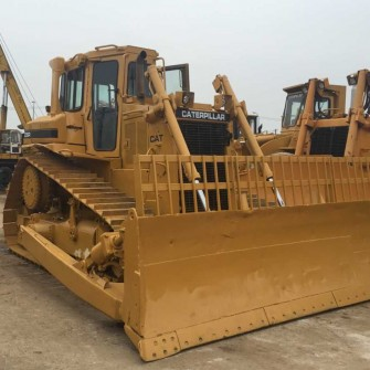 Pelle sur chenilles Bulldozer CAT D6R