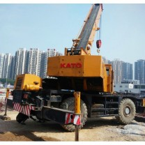 Used Rough Terrain Crane KATO KR35H