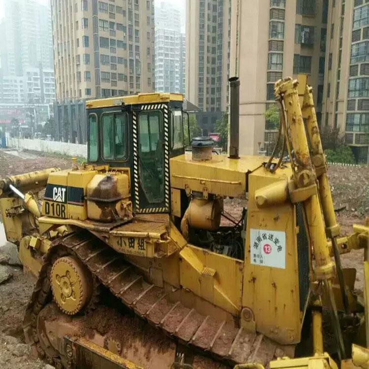 Pelle sur chenilles Bulldozer CAT D10R