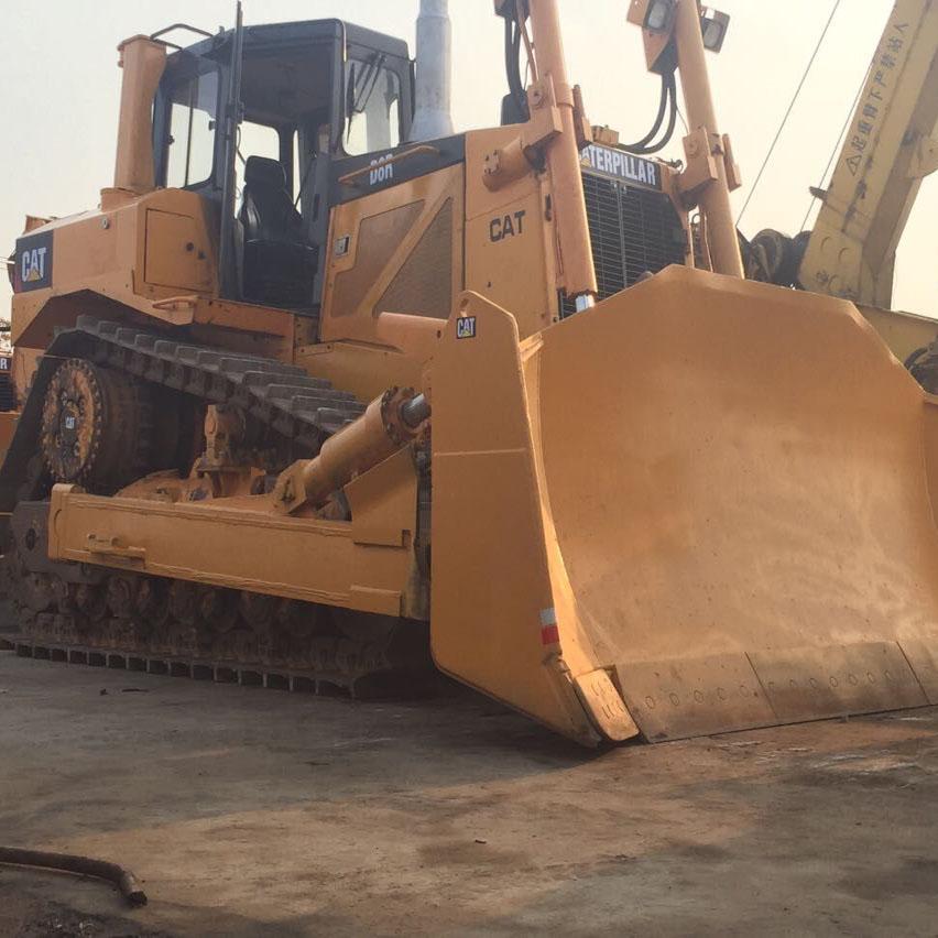 Pelle sur chenilles Bulldozer CAT D8R